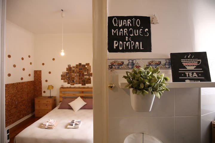 Pombal | Double Room in Alfama, downtown Lisbon