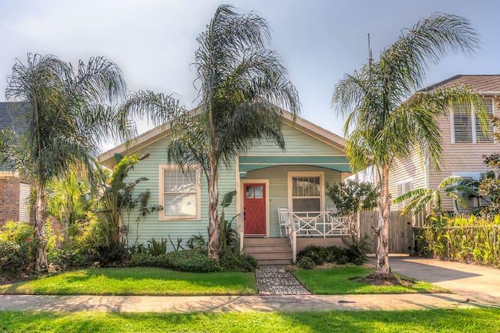 Luxurious Coastal Cottage - Galveston - Talo