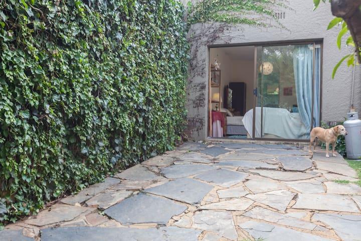 VEGAN home, own space with FIBRE internet - Randburg - Maison