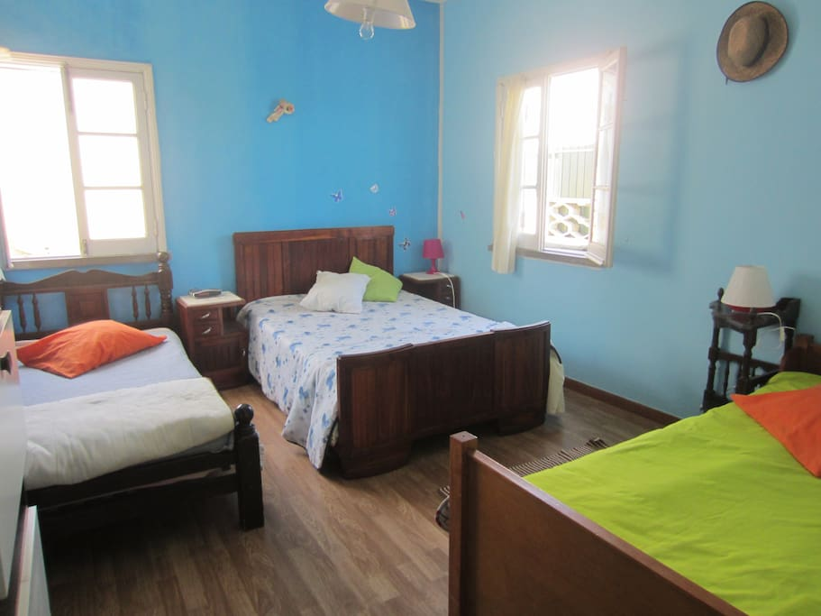 sunny triple single room, with double bed, 3-4 pax