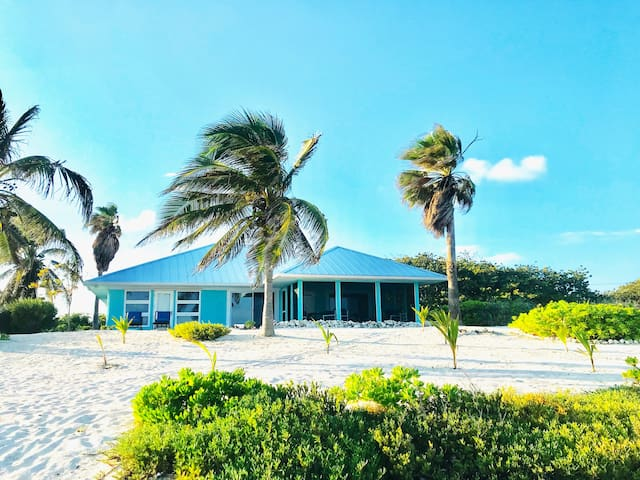 BEACH FRONT HOUSE-AWESOME VIEWS & TOTAL SECLUSION!