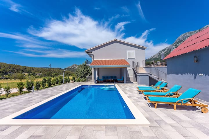 Apartment Family dream with private pool