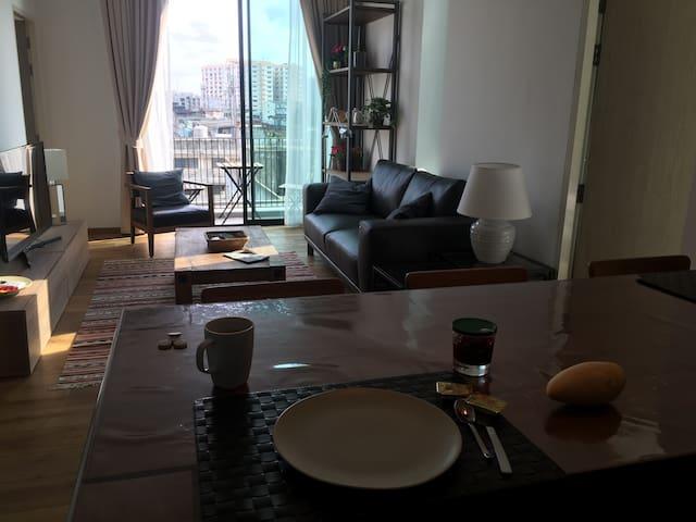 Superbe condo 2 chambres a Bangkok-Udomsuk