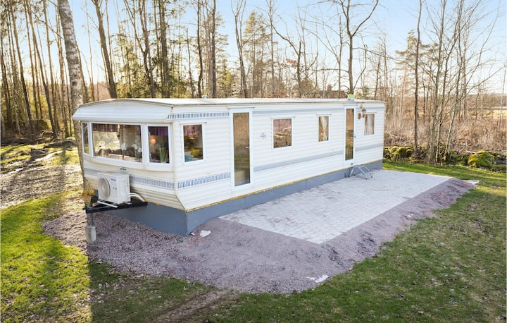 Mobil home with 2 bedrooms on 38m² in Töreboda