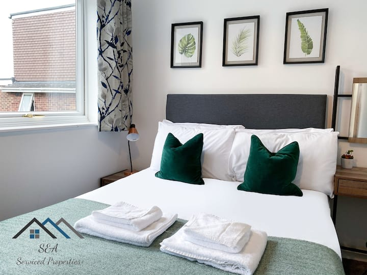 En-Suites Room *Quiet & Spacious* *Self check in* *100mbps WIFI*