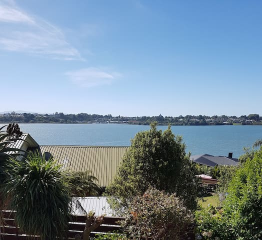Convenient and functional Unit 5 mins from town - Tauranga - Annat