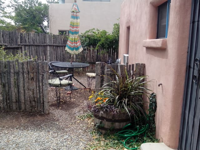 Charming 1BD adobe casita downtown