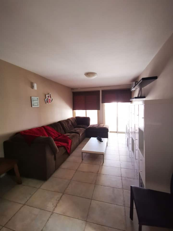 Luxury Fully Renovated Furnished Apartment