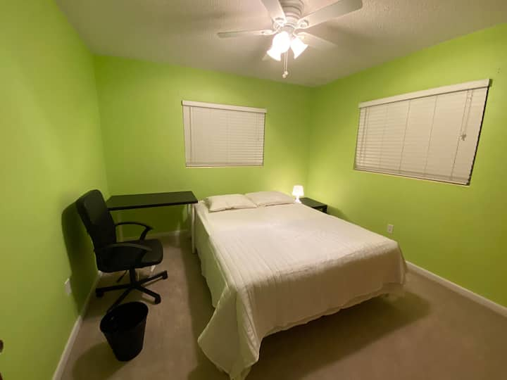 Private Cosy Clearwater Sunny Room - Green #4