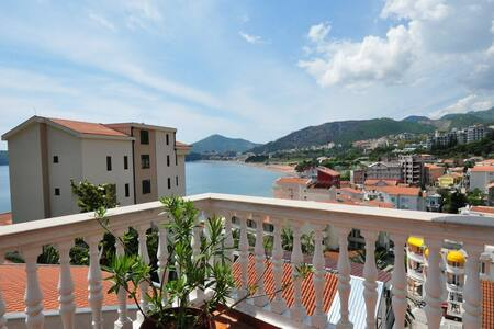 Great sea view 2 bedroom apartment - Rafailovići