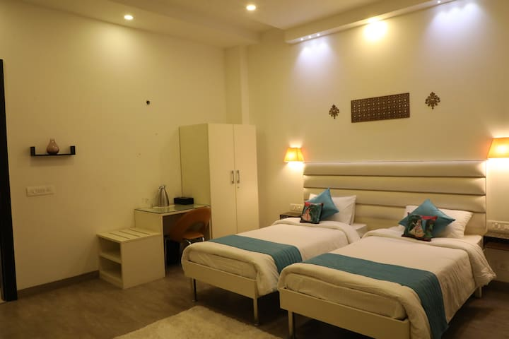 Bed & Oats - Spacious Private Room in Gurgaon - 06