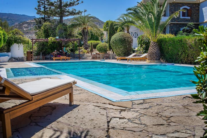 Sitia Oceanides Apartment by the pool - Τρυπητος - Pis