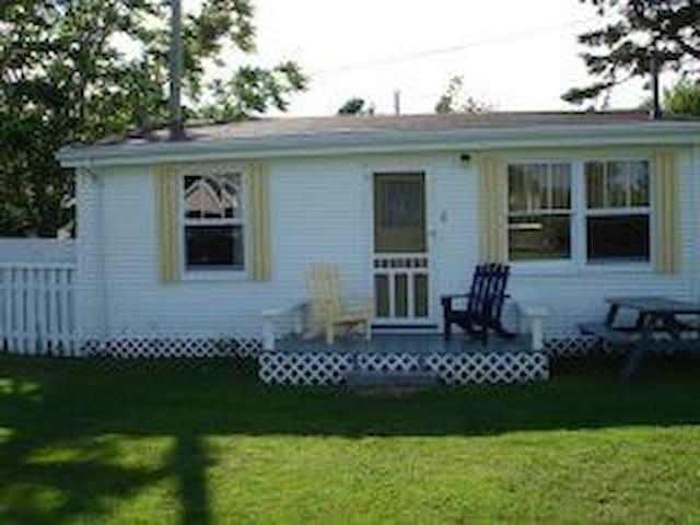 Bayside Cottages-Cottage#1