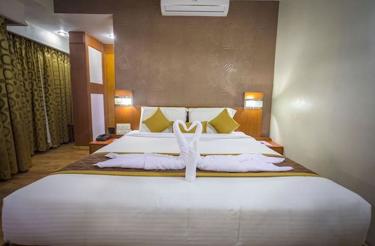 Affordable stay opposite Mysore Palace