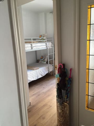 Double room with private bathroom and balcony - Barcelona - Apartment