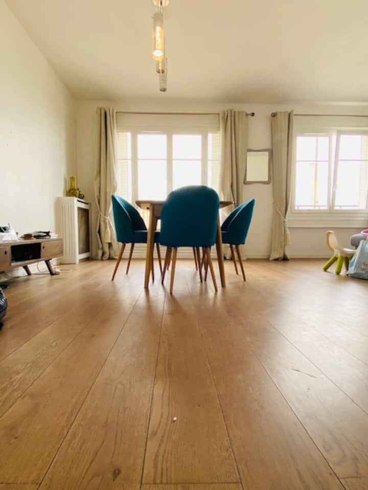 62 m2 meublé et équipé, confort - rue Michel Ange