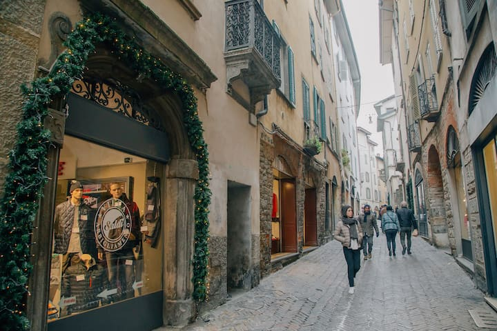 Trilocale nel centro di Bergamo Alta