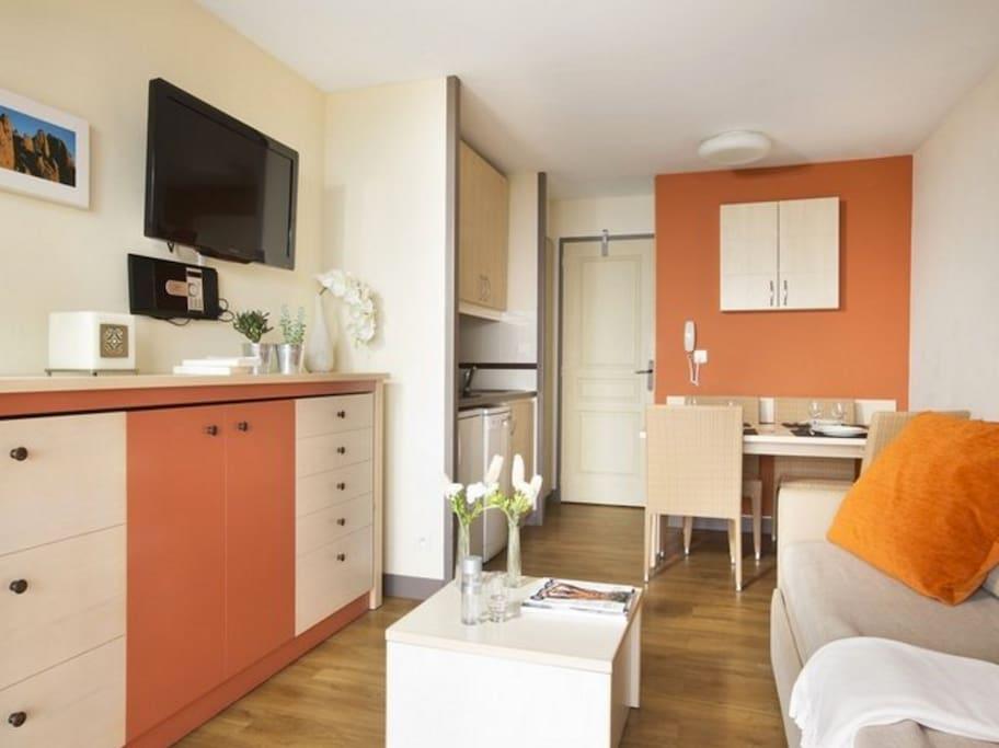 cap esterel magnifique vue appartements louer saint rapha l provence alpes c te d 39 azur. Black Bedroom Furniture Sets. Home Design Ideas