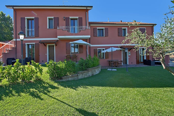 Spacious Villa in Candelara with Pool