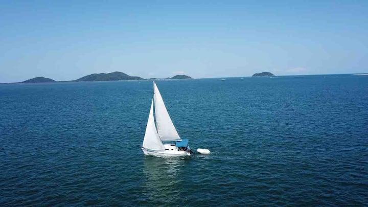 Pernoite em veleiro com refeições incluídas