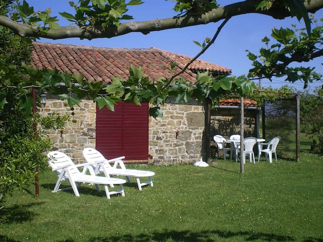 Casa rural con jardin, planta baja y vistas al mar - Villaviciosa