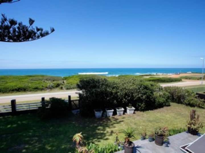 Beachfront Apartment, Spectacular view - Louise