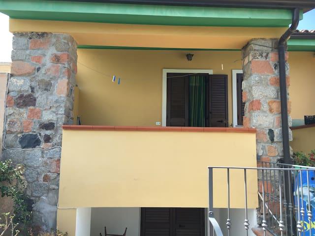Casa vacanza Alva... - Torre di Bari - 連棟房屋