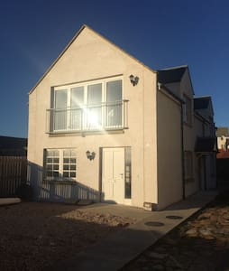 Modern new build on elie beach - Elie