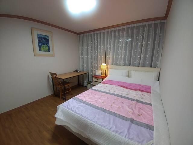 peaceful private room in Jinju. 하대동 게스트 하우스,공군교육사