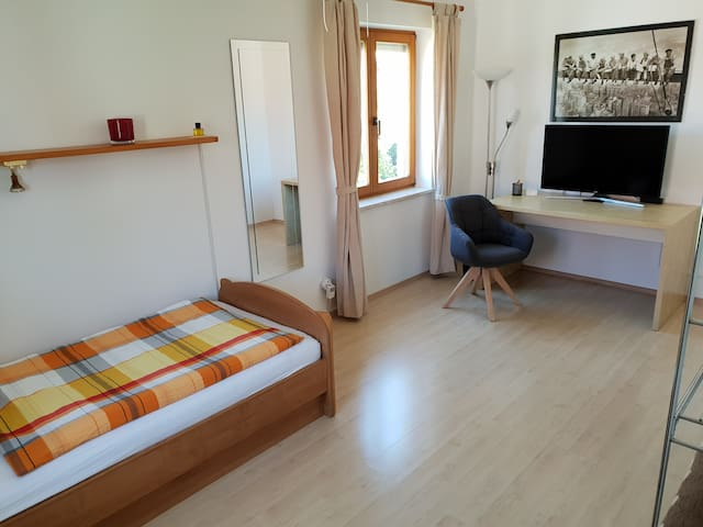 Lovely room near the airport