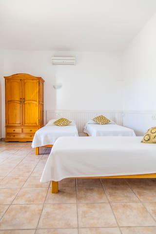 can simpatia relax y maravillosas vistas - Sant Josep de sa Talaia - Casa