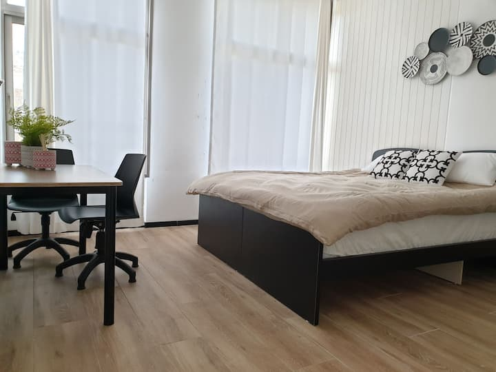 Luxurious stay in center room (Nazareth)