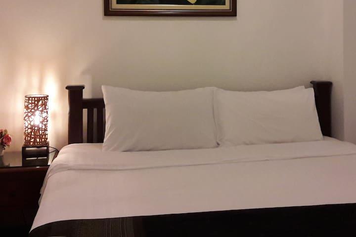 One bedroom private room AC close BTS & Silom MRT