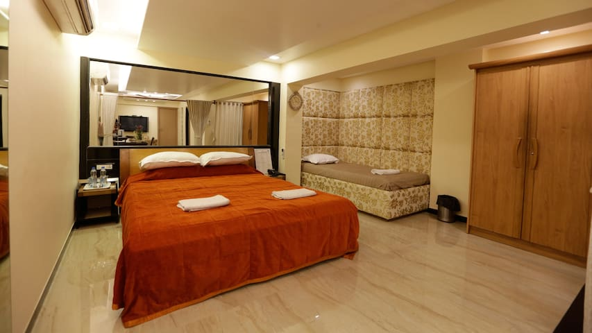 Suite room with Breakfast (In Bandra west)