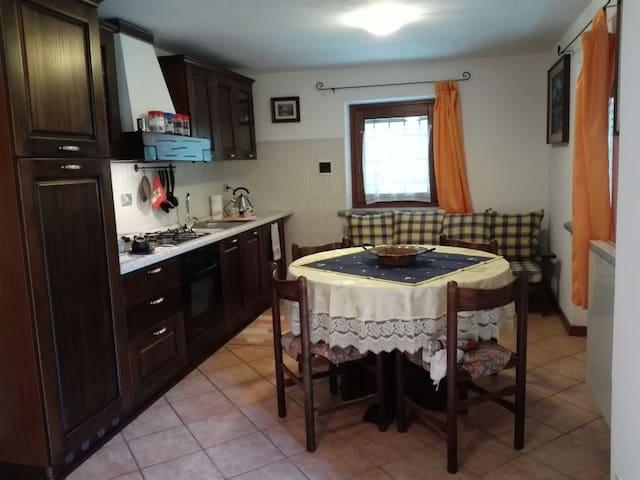 Appartamento con accesso indipendente con patio