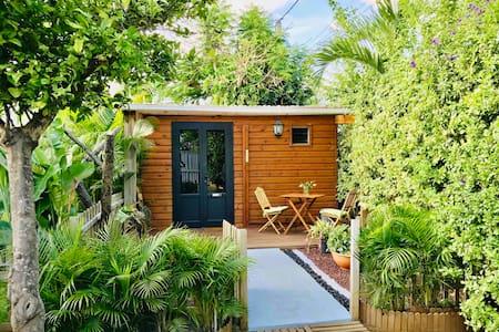 bungalow climatisé tout confort accès piscine