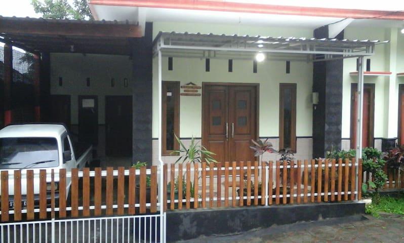 Batu 2017 Top 20 Ferienwohnungen In Ferienhauser Unterkunfte Apartments Airbnb East Java Indonesien