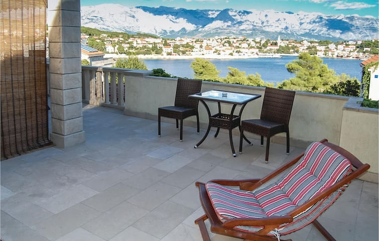 Holiday apartment for 4 with stunning view