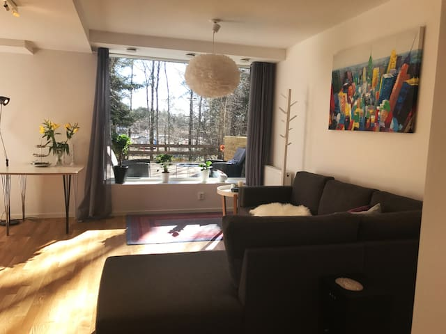 Newly renovated apartment close to Metro and City - Stockholm - Leilighet