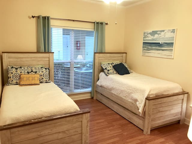 Two twin beds in third bedroom, including trundle for extra guest