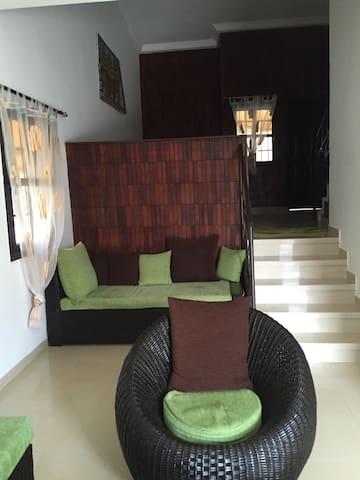 Superbe duplex pour séjour famille - Grand-Bassam - Hus