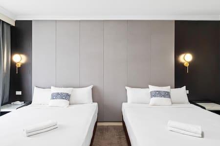 WM Hotel Bankstown - Deluxe Double Queen Room