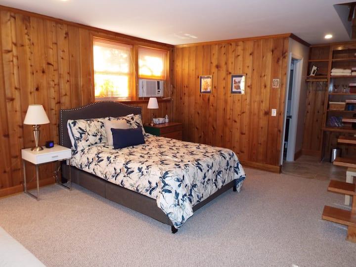 Crieve Hall Hideaway - Entire guest suite