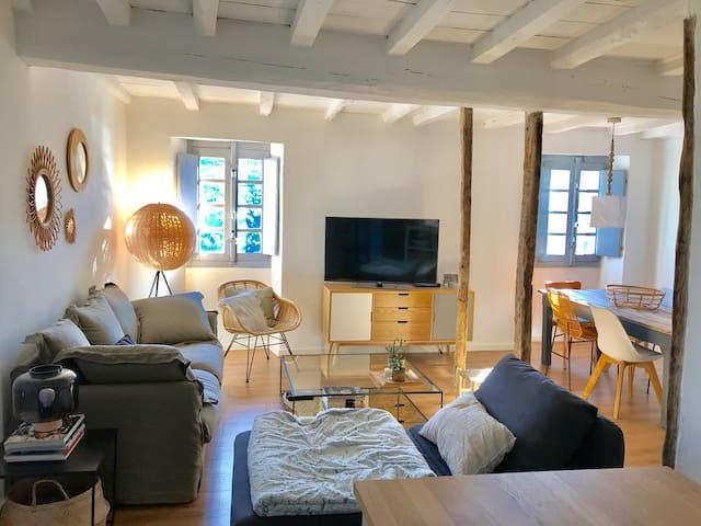 Maison 90m2 en Pierres Rénovée Vue Lac et Maquis