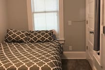TINY unit in cottage in the middle of Downtown
