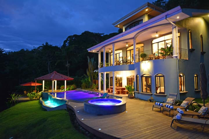 SPECTACULAR 45 km Ocean Views! Private 7 Acre, 5BR