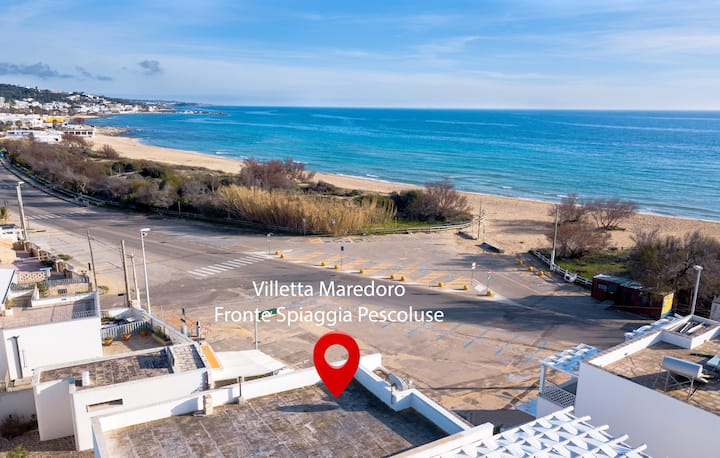 """Holiday Home """"Villetta Maredoro Fronte Spiaggia"""" with Terrace & WiFi; Parking Available"""