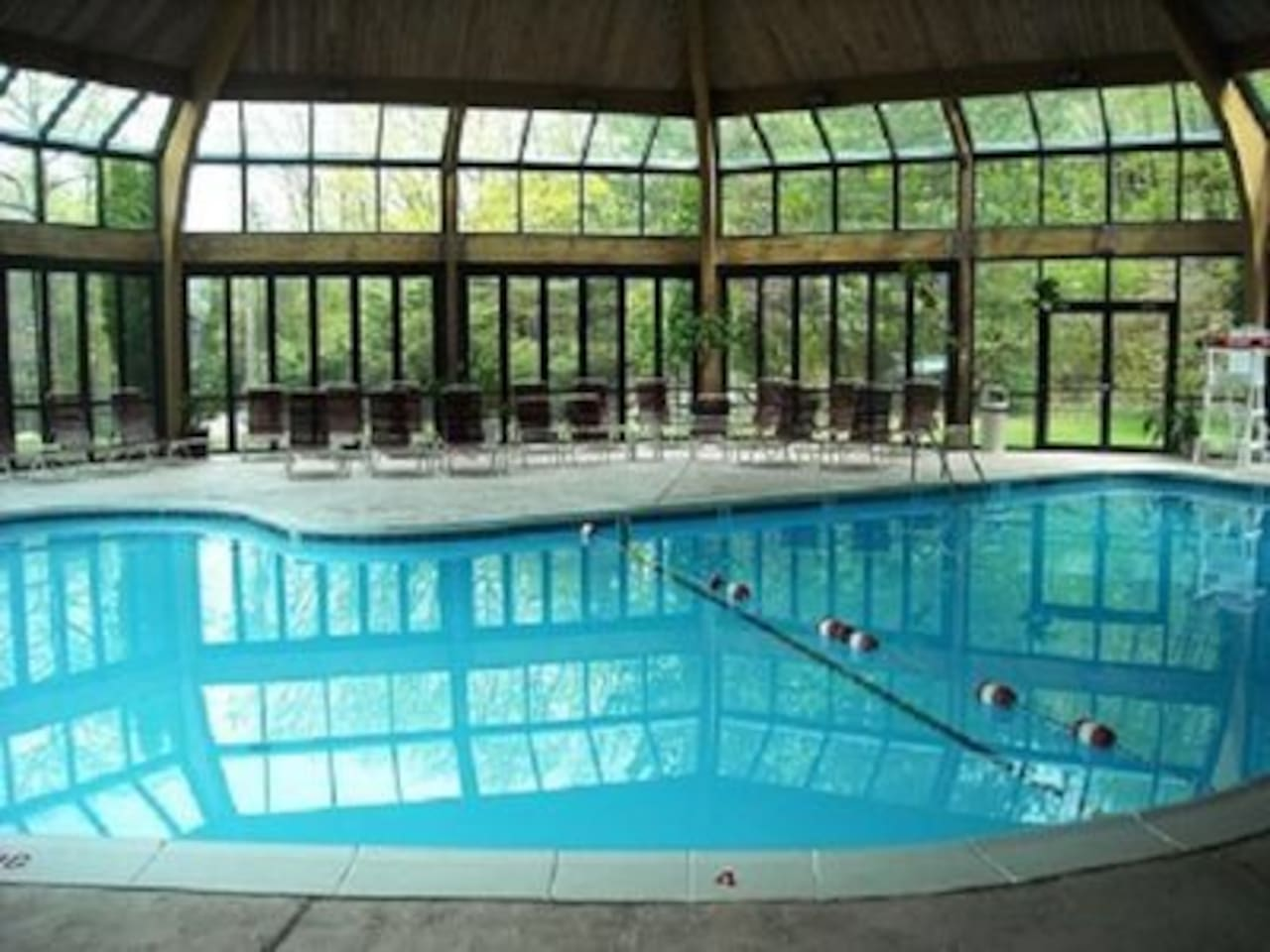 HEATED INDOOR POOL/SPA-OPEN WEEKENDS ALL YEAR