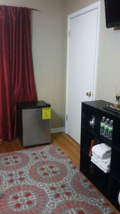 Bedroom: mini-fridge