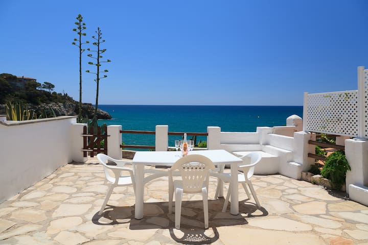 LOVELY SUMMER HOUSE WITH SPECTACULAR SEA VIEWS IN CAP SALOU S307-127 CASAS BLANCAS